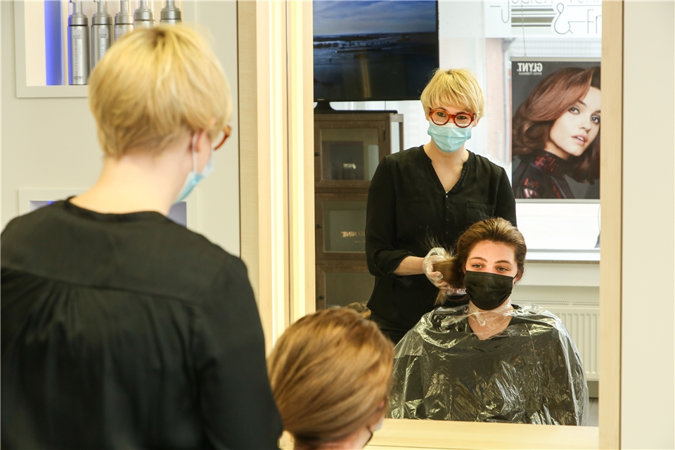 Haben Kosmetikstudios Wieder Geöffnet