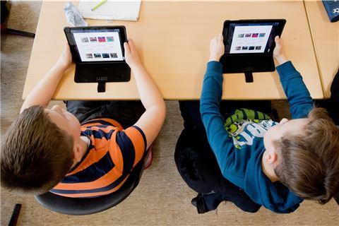 Bocholts-Sch-ler-warten-weiter-auf-1600-Tablet-Computer