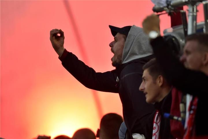 Risikospiel Dusseldorf Gegen Koln Weitgehend Friedlich