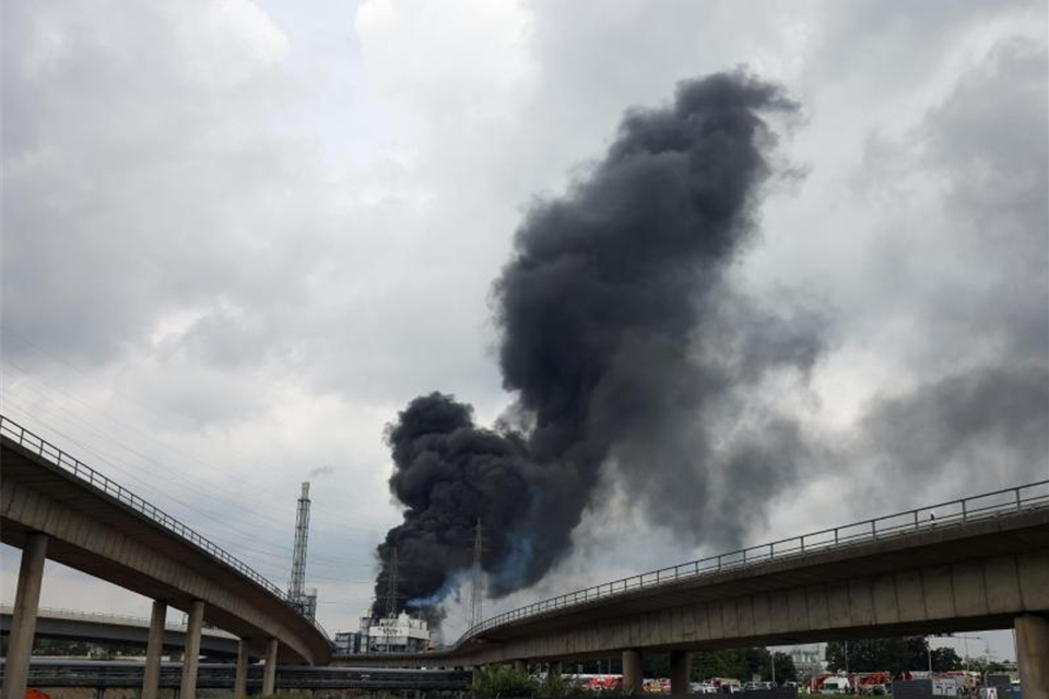 Firma: Fünf Vermisste nach Explosion im Chempark Leverkusen