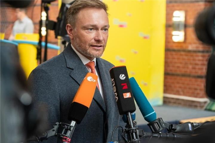"FDP-Chef Lindner will ""Anti-Krisen-Paket"""