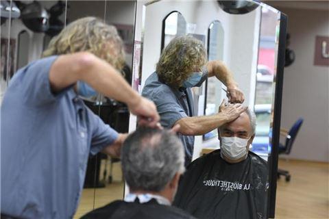 Bocholts-Friseure-fordern-Lasst-uns-die-Salons-wieder-ffnen-