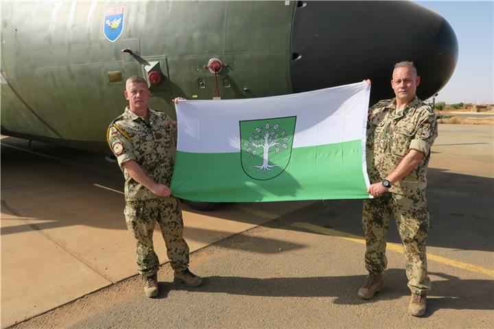 Bocholter Flagge weht in Afrika