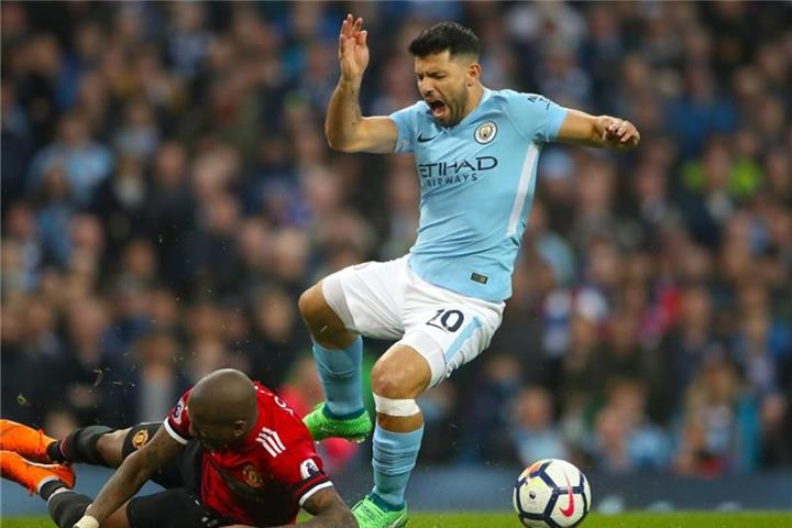 Man-City-Star Sergio Agüero erholt sich von Operation
