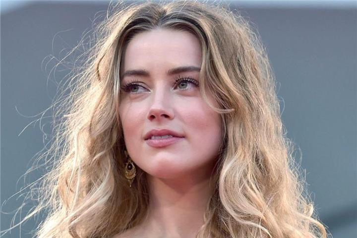 Amber Heard in Thriller-Romanze